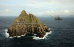 skellig_michael_with_skellig_little_in_background